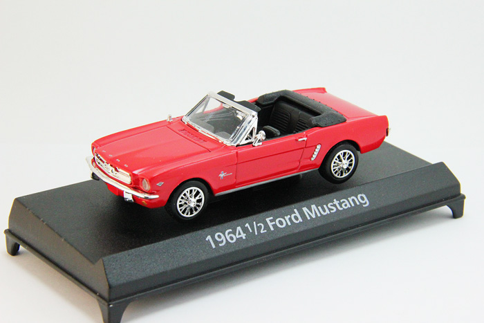 1/2 Ford Mustang Convertible (1964) red