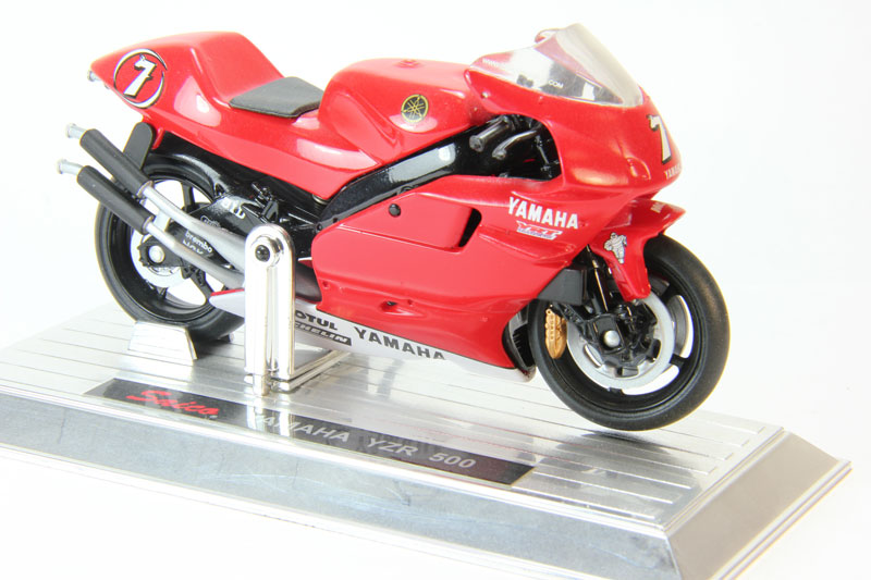 Yamaha YZR 500 (red)