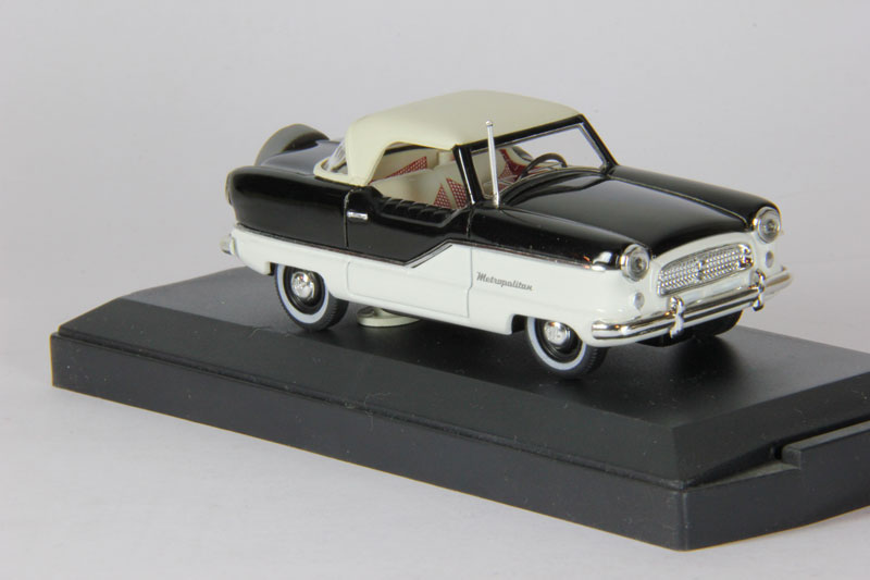 Nash Metropolitan (1959) black & white