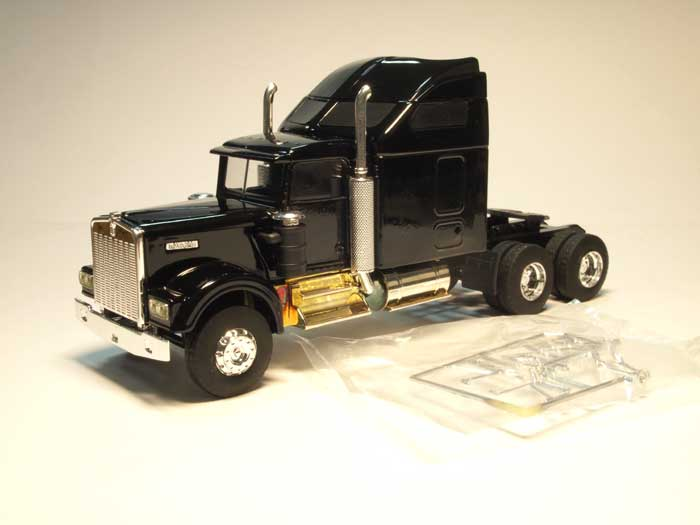 Kenworth W900 with aerocab (black)