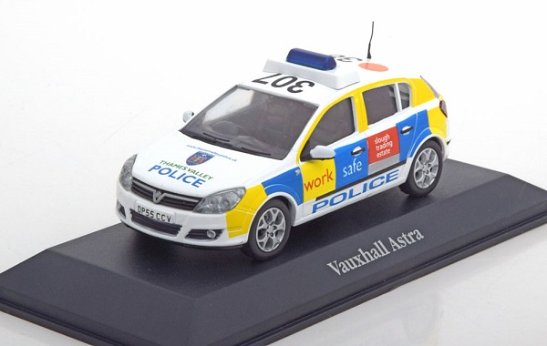 Vauxhall Astra Thames Valley Police