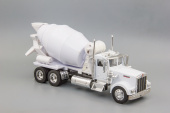 Kenworth W900 Mixer (white)