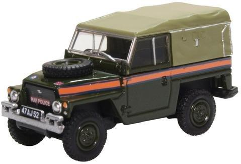 "LAND ROVER Series III 1/2 Ton Lightweight Soft Top ""RAF Police"" (военная полиция) 1970"