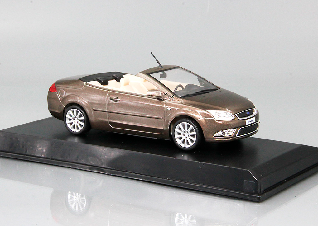 Ford Focus Coupe-Cabriolet 2007 (brown metallic )