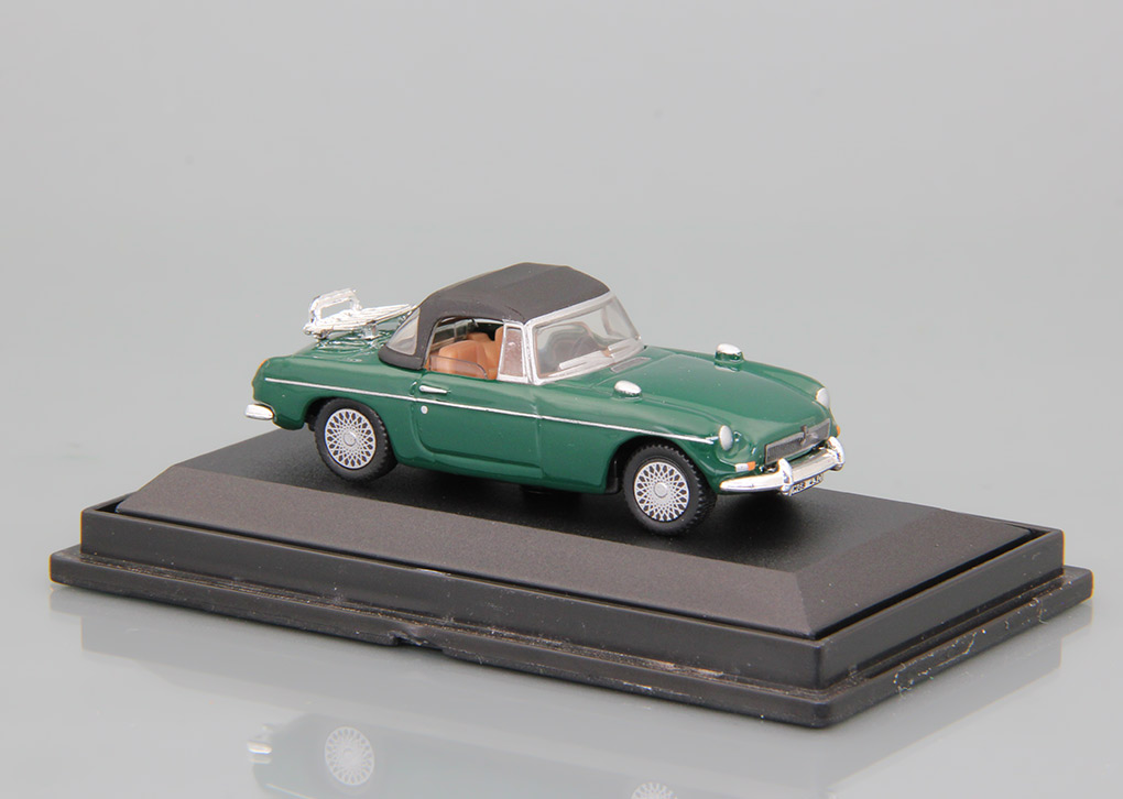 MG B Convertible (green) box
