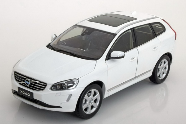 Volvo XC60 2015 (crystal white pearl)