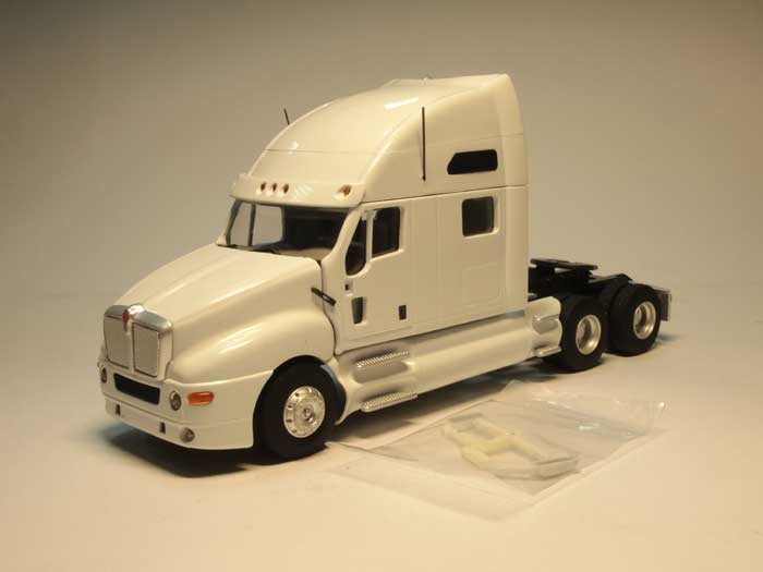 Kenworth T2000 (white)