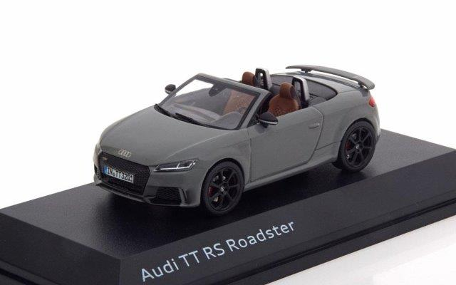 AUDI TT RS Roadster 2017 Nardo Grey