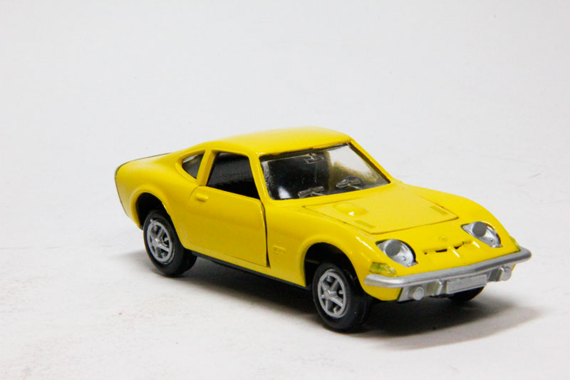 Opel GT 1900 (yellow)