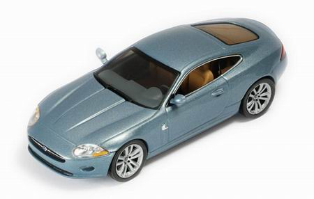 Jaguar XK Coupe (2005) blue zircon