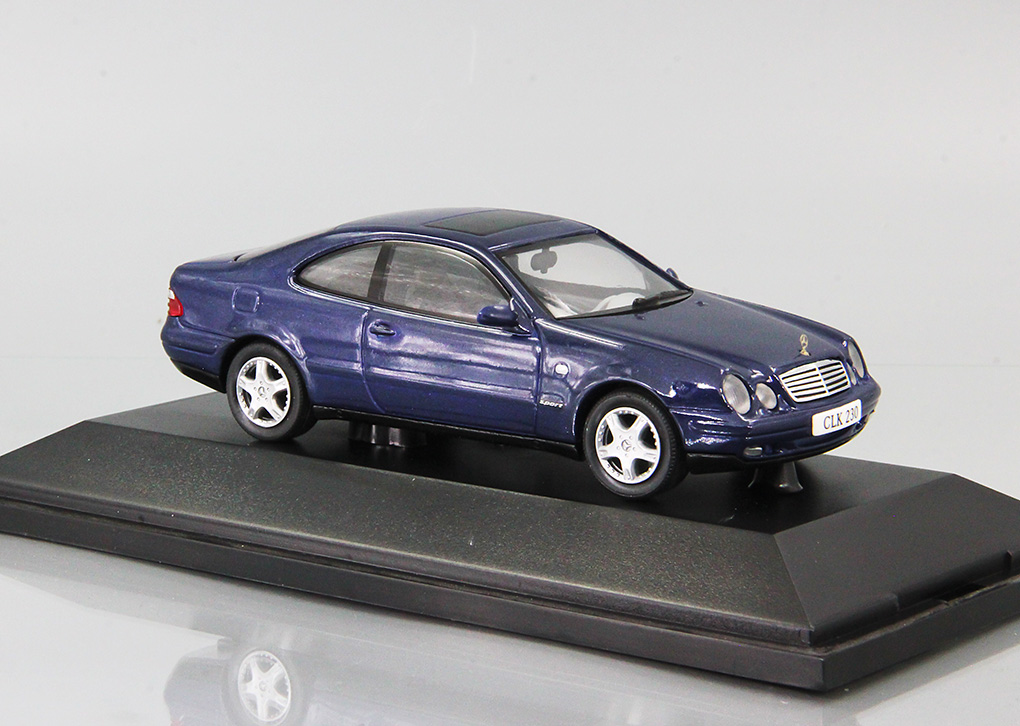 Mercedes-Benz CLK 230 Metallic blue