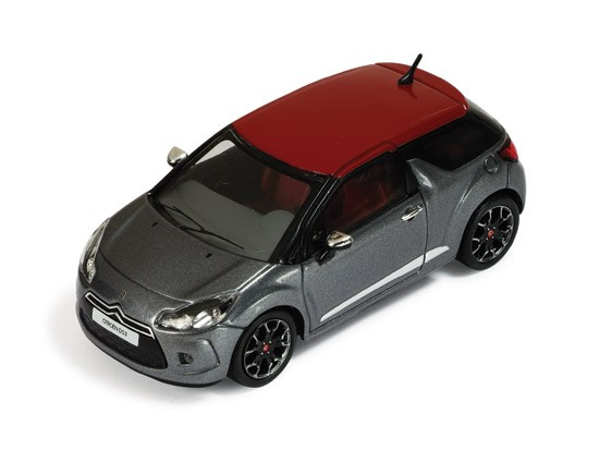 Citroen DS3 2011 Metallic Grey / Red