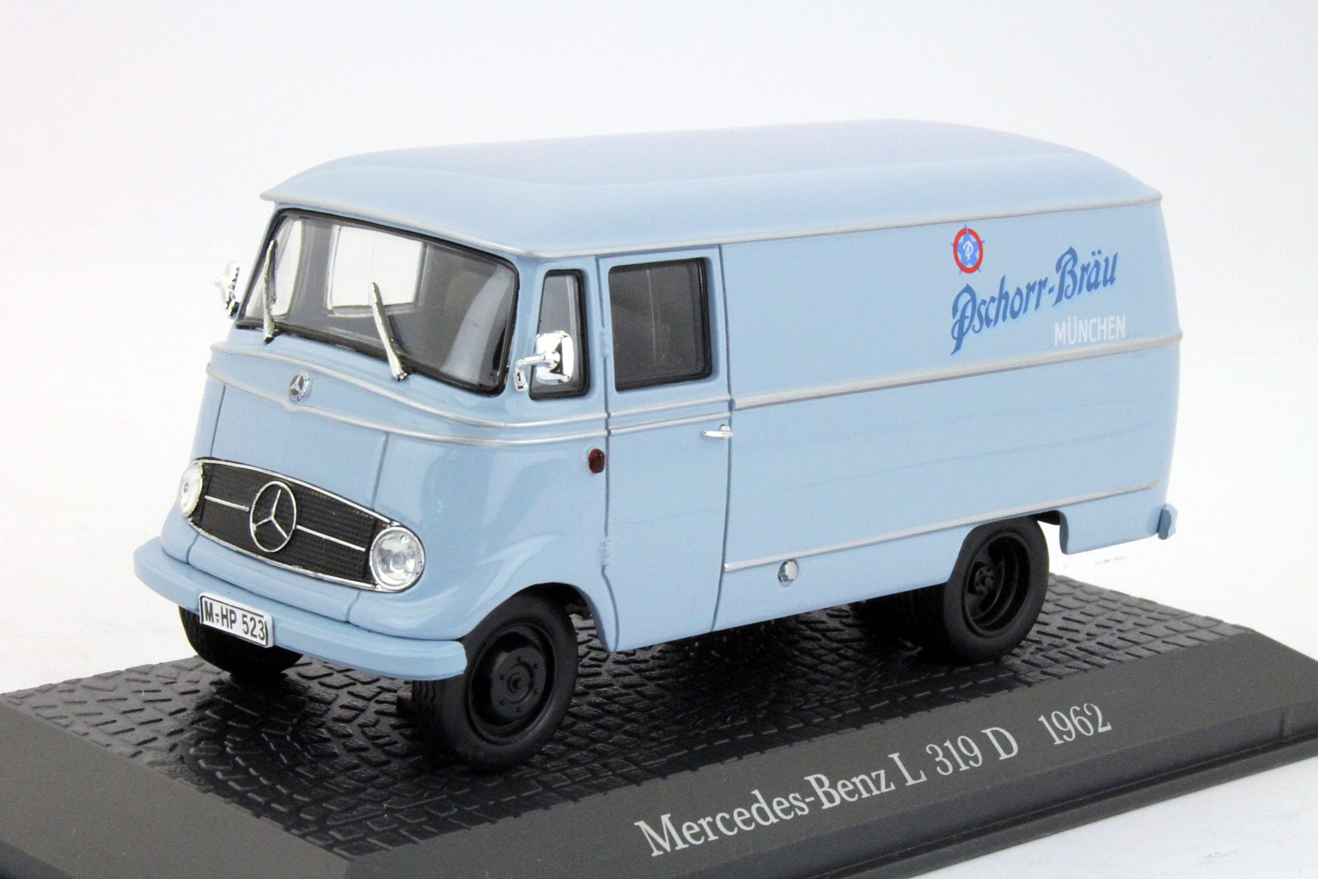 Mercedes-Benz L319D Kastenwagen 1962 Light Blue