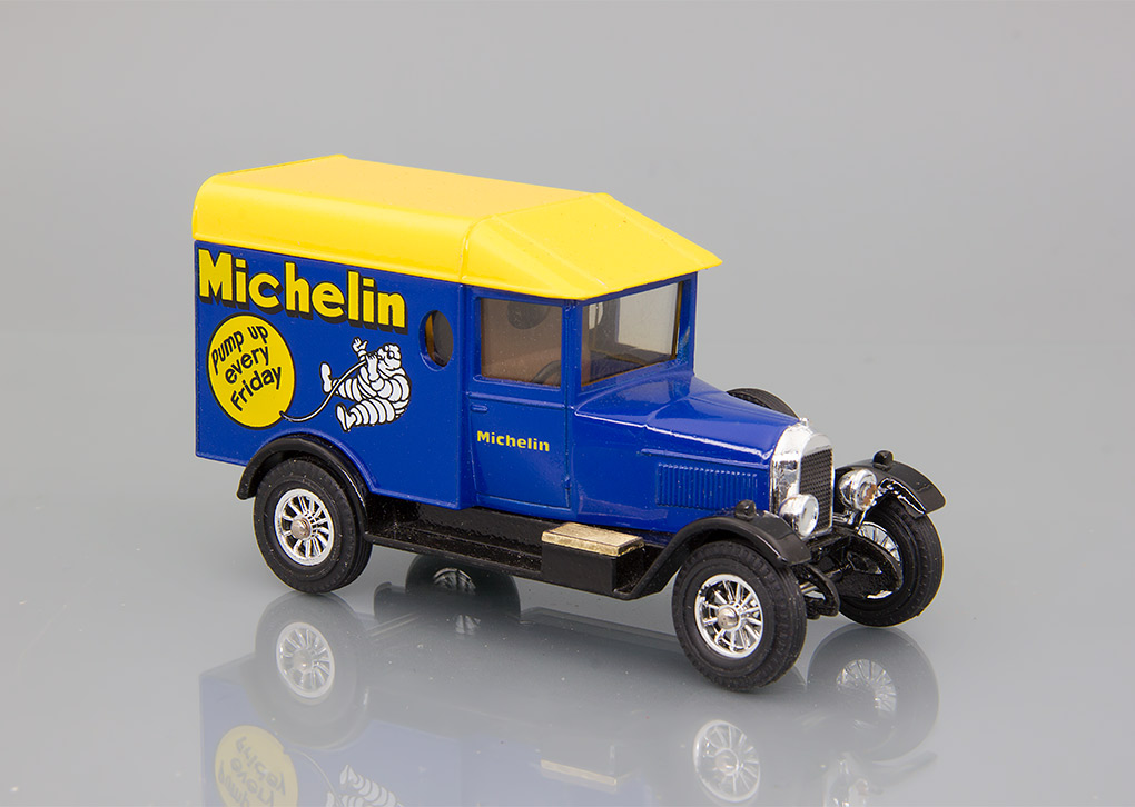 Morris Cowley Van (1929) Michelin