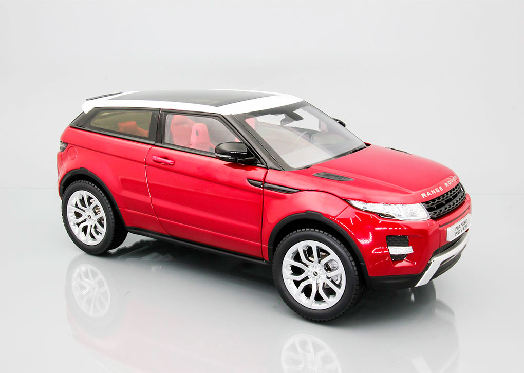 Range Rover Evoque Red with white roof