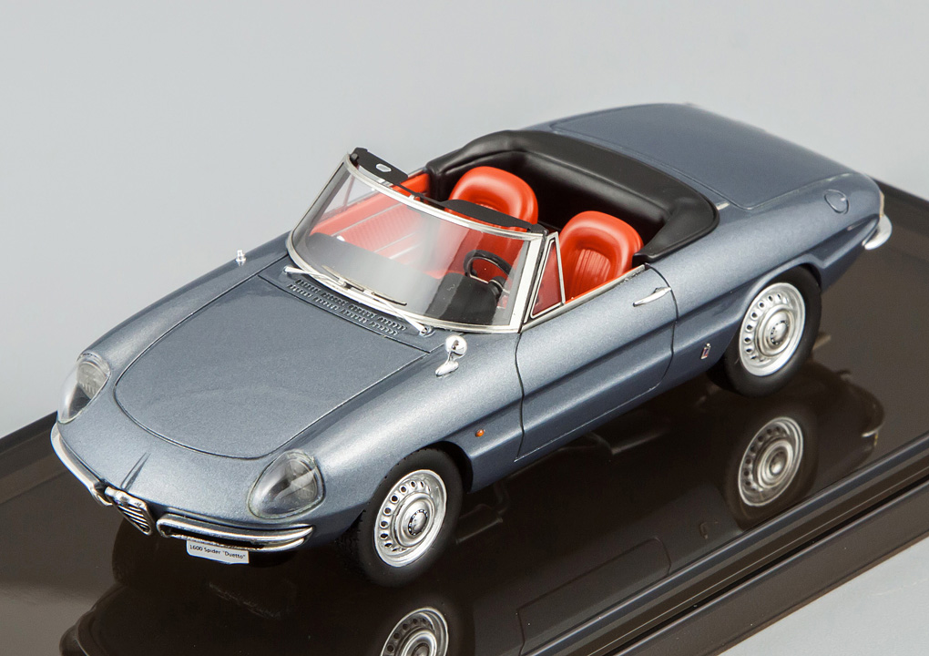 "Alfa Romeo 1600 Spider ""Duetto"" (1966), Graphite Grey"