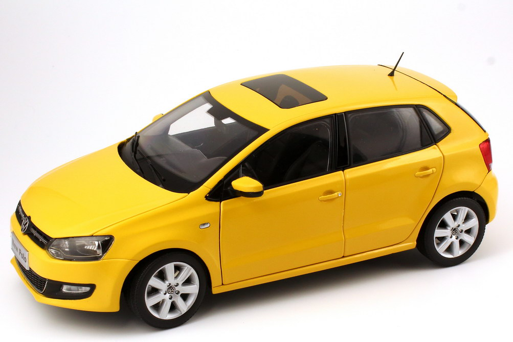 Volkswagen New Polo 2011 yellow