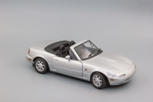 Mazda MX 5 RH Drive (highlight silver metallic)