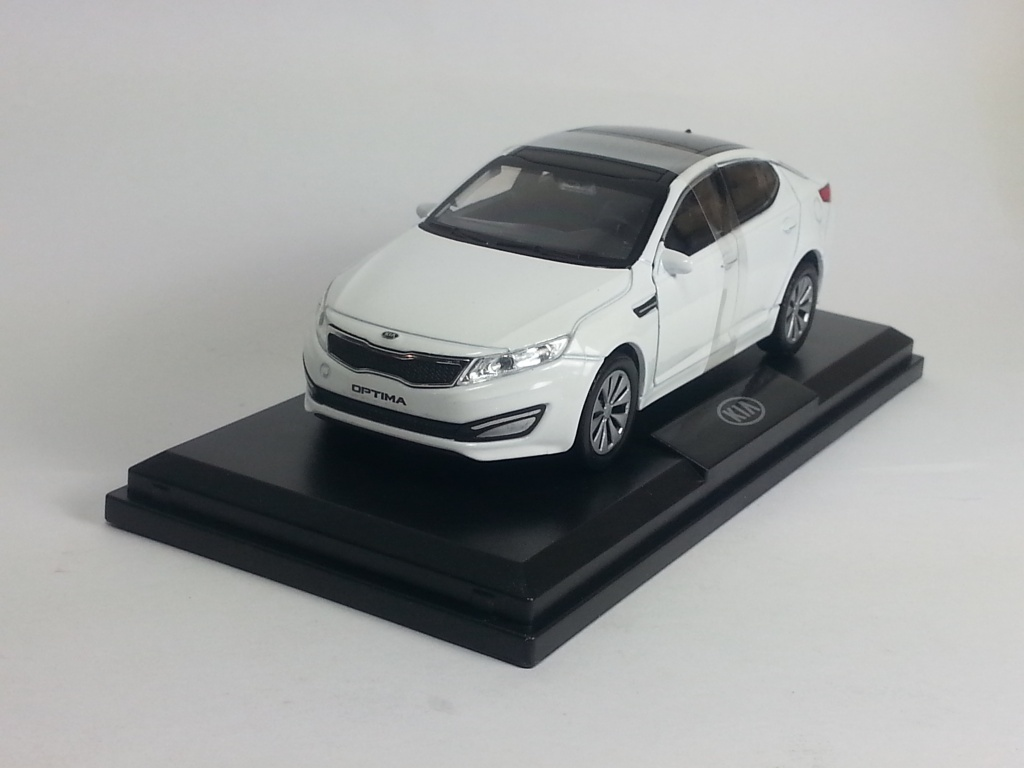 KIA Optima III (K5), KIA Collection 1:38, белый