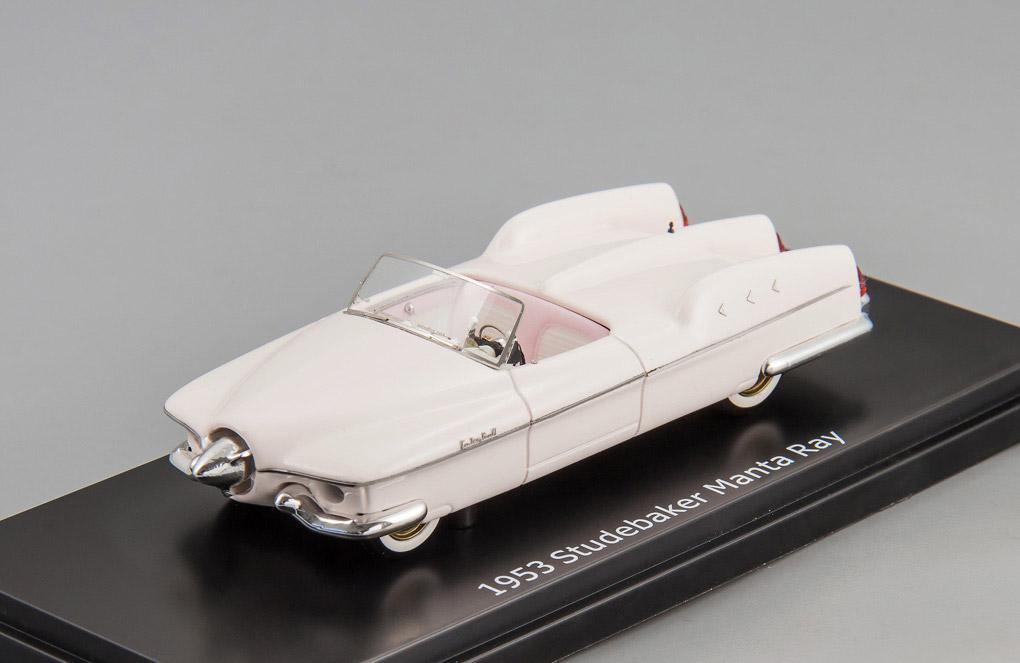 Studebaker Manta Ray top down 1953 (light pink)