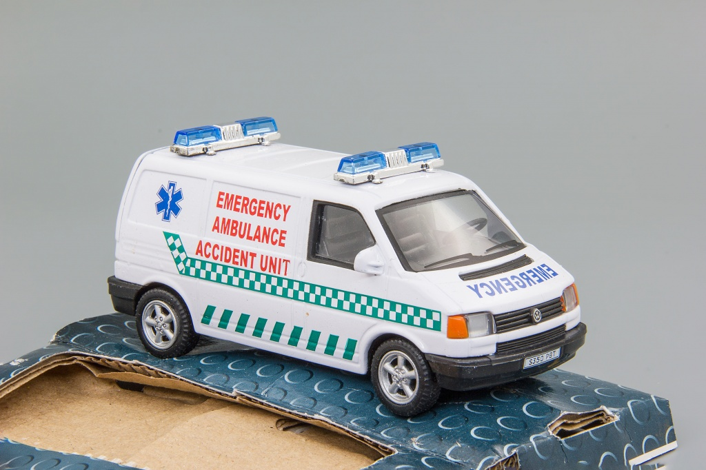 Volkswagen T4 Emergency Ambulance Accidient Unit