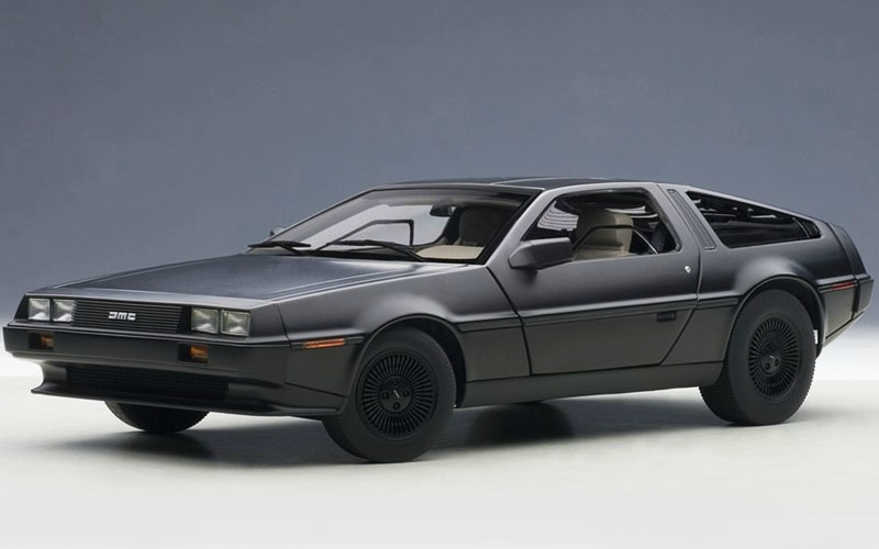 DeLorean DMC-12 1981 (matt black)