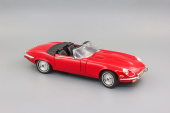 Jaguar E-Type (1971) Red
