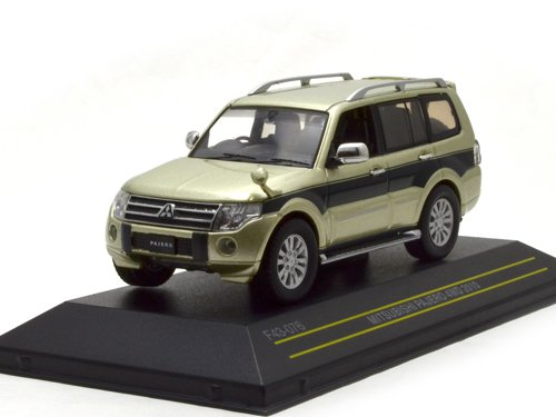 Mitsubishi Pajero 4WD 2010 Metallic Dark Green/Metallic Light Green