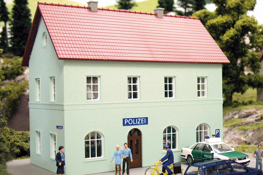 Hobby Line Police Station, Building Kit (HO-Scale)