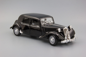 Citroen 15CV 6 Cyl (1952) black